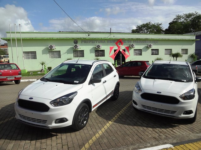 Prefeitura adquire novos carros para a saúde