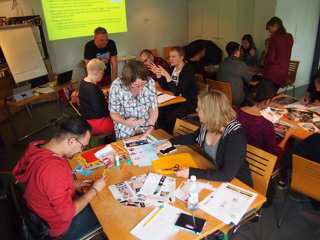 Global Meal -koulutuksessa Helsingissä syyskuussa tarkasteltiin ruoantuotannon vaikutuksia, ruokavastamainoksia ja kasvittieteellisen puutarhan kasveja. Kuva: Pinja Sipari.