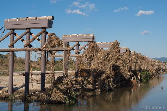 "broken Nagare-bashi (Koduya Bridge) - 流された""流れ橋"" (13)"
