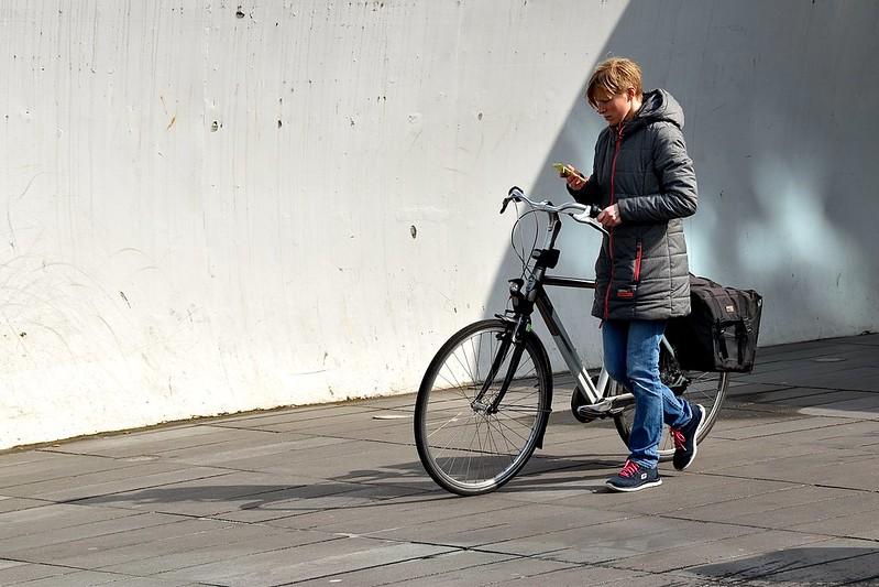 Texting - Eindhoven