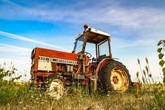 Tractor - Photo of Cébazan