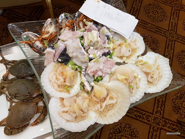 Various shellfish and fish