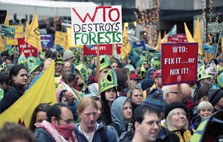 WTO protesters on 7th Avenue, 1999