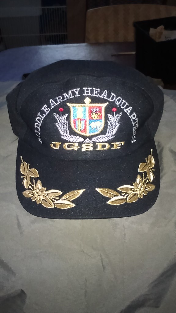 HQ Cap & Tie Tack 37345436156_d1240ce35f_b