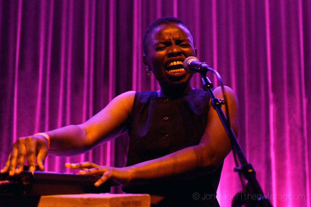 20170928 004 Vagabon at Swedish American Hall by Jon Bauer