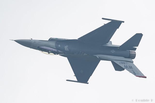 JASDF Chitose AB Airshow 2017 (63) PACAF F-16C - 92-887