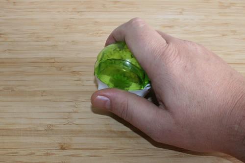 14 - Knoblauch zerkleinern / Hackle garlic