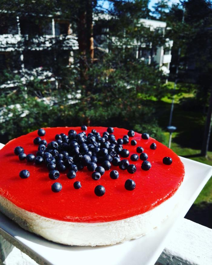 marjainen_valkosuklaa_juustokakku