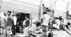 Busy fish market in the morning...   #Morning #fish_market #busy #people #black&white #urban #urbanphotography #urbanography #urbanlife #busylife #urbanpeople #Dhaka #Bangladesh #life #difference #view