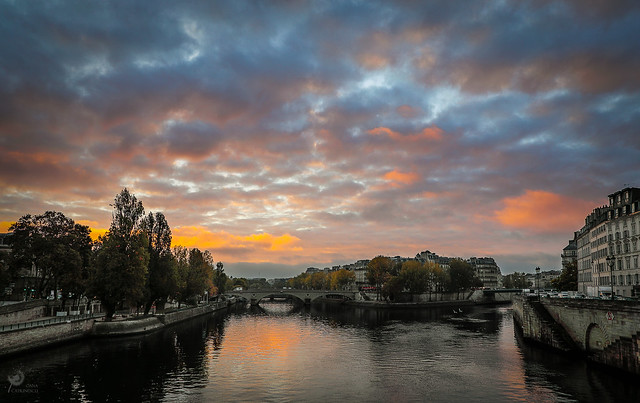 Sunrise once upon a time in Paris