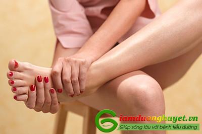 Ngứa bàn tay, bàn chân là dấu hiệu ban đầu của bệnh tiểu đường