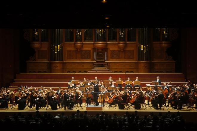 克里斯蒂安.阿閔領軍的維也納室內管弦樂團,於10月21日及10月22日一連兩天,帶給台灣樂迷純正血統的維也納音樂盛宴