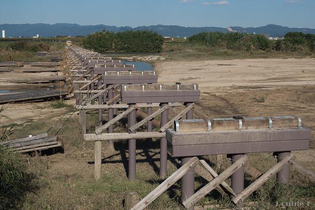 "broken Nagare-bashi (Koduya Bridge) - 流された""流れ橋"" (3)"