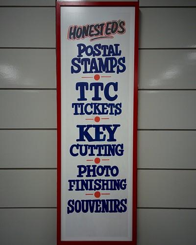 Scenes of old Honest Ed's (3) #toronto #theannex #honesteds #honestedstation #bathurststation #bathurst #latergram
