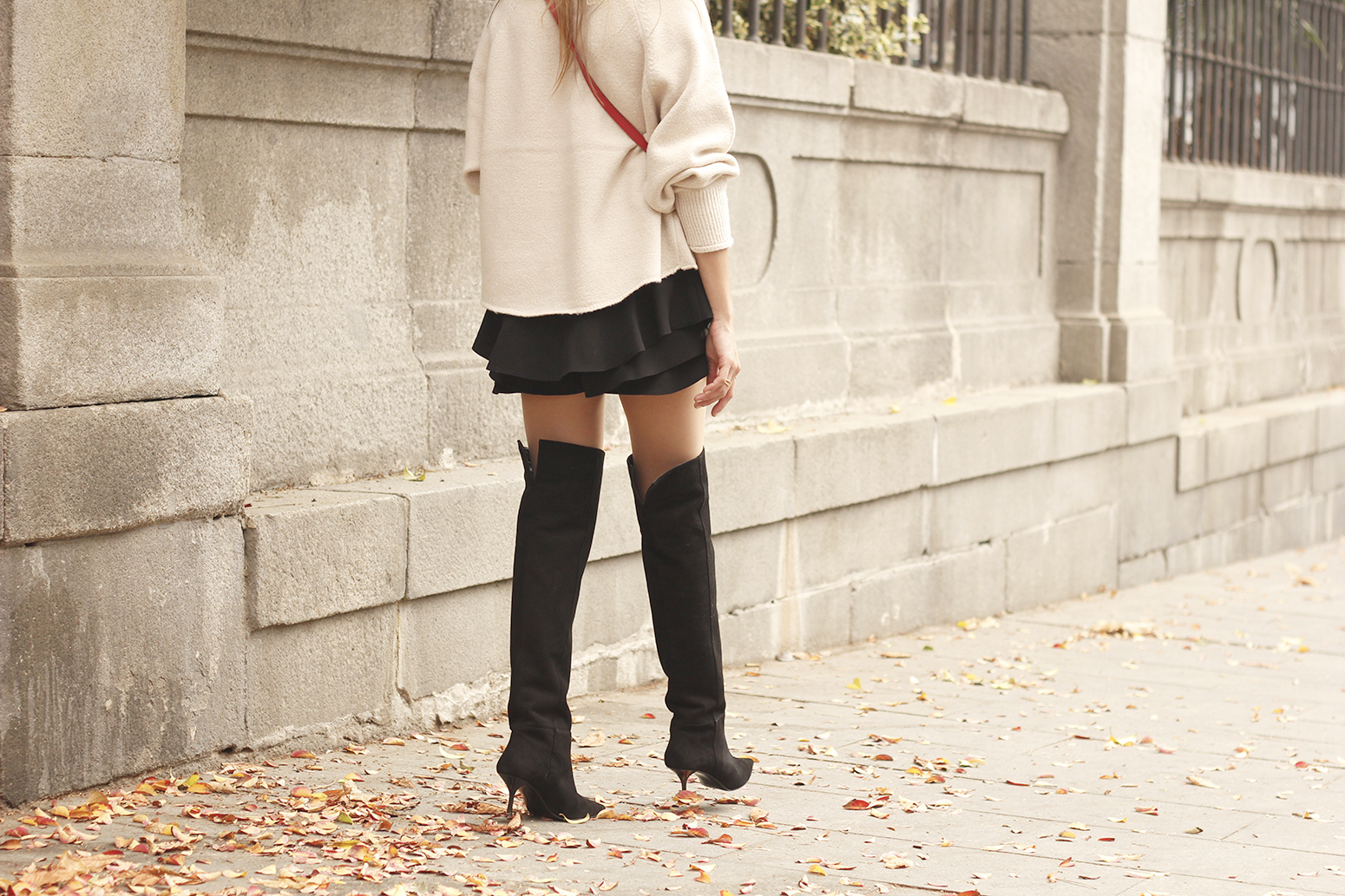 beige jersey with embroidered flowers over the knee black boots red hat street style fashion inspiration outfit14