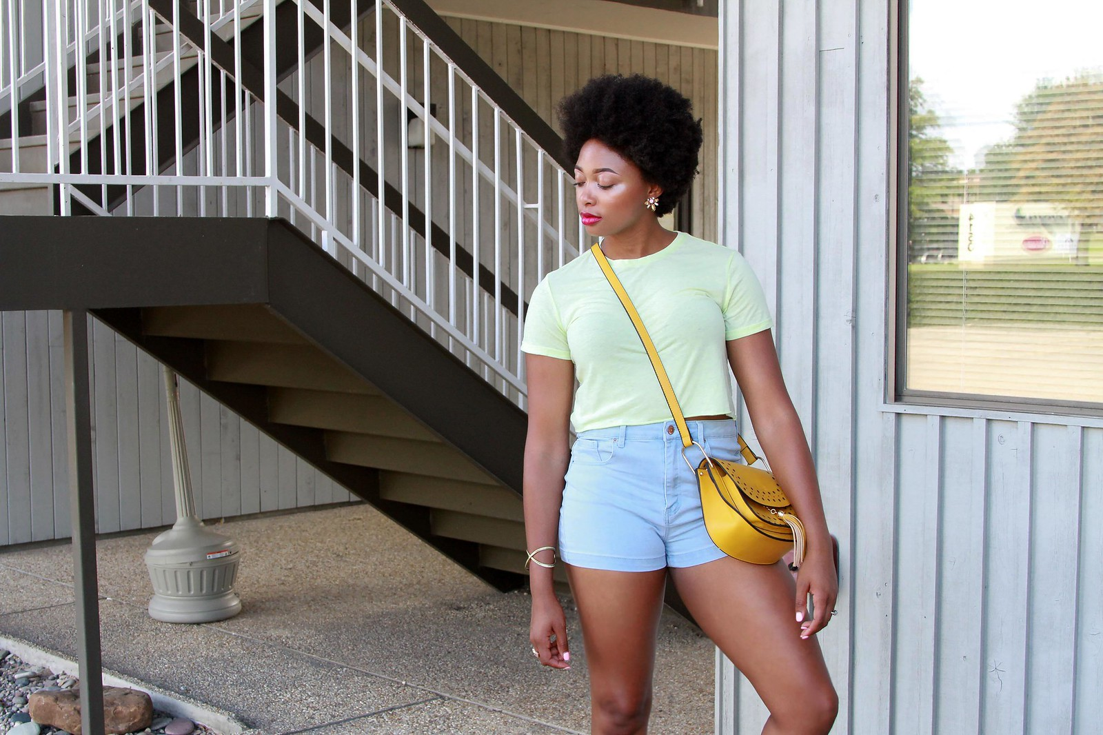 how to style mom shorts, candace hampton