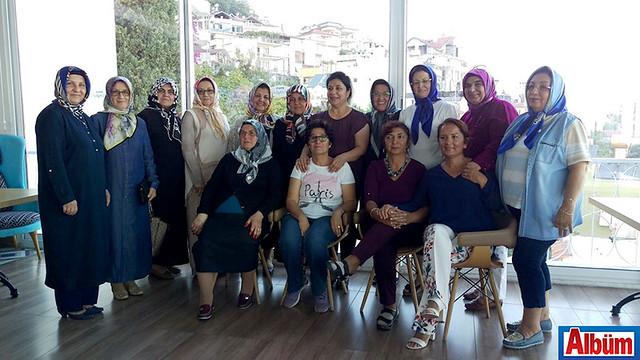 Atatürk İlköğretim Okulu 1959 -1960 yılı mezunları Zeytin Dalı'nda toplandı