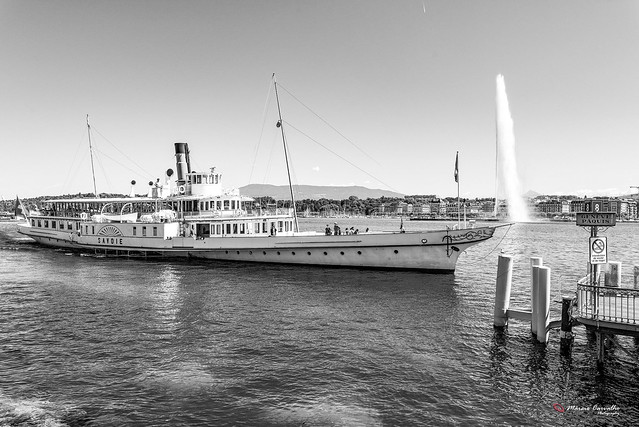 My lovely Geneva - Lake Léman, Geneva Fountain and the Savoie Stean Boat - DSC_0208 b&w