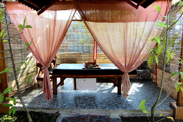 Harris Resort Waterfront Batam: H Spa Outdoor Massage Pavilion