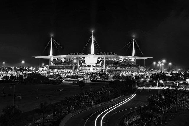 Hard Rock Stadium, 347 Don Shula Drive, Miami Gardens, Florida, USA / Opened: August 16, 1987 / Architects: Populous (then HOK Sport) ; HOK (2016 renovation)