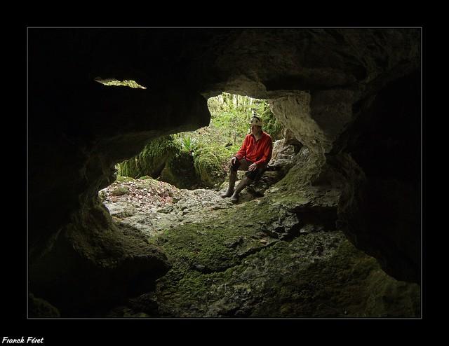 Entrée de la Grotte du Fond de la Vau n°1 - Ornans