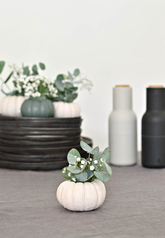 03-diy-decor-halloween-flowers-nature