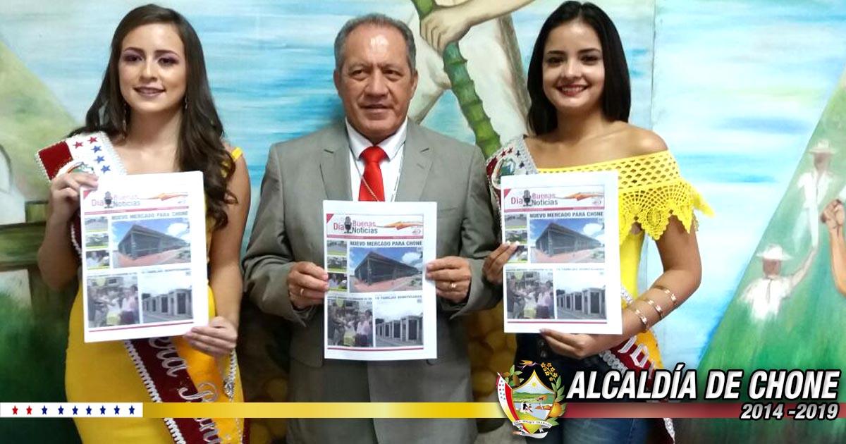 En rueda de prensa alcaldía de Chone lanzó periódico oficial
