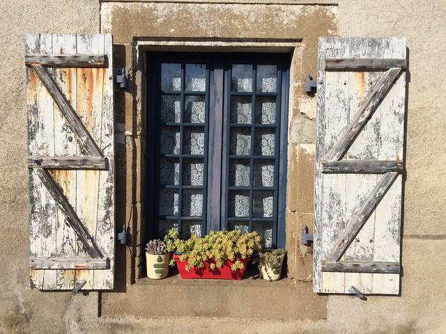 Shabby chic. Augignac, Dordogne, SW France.