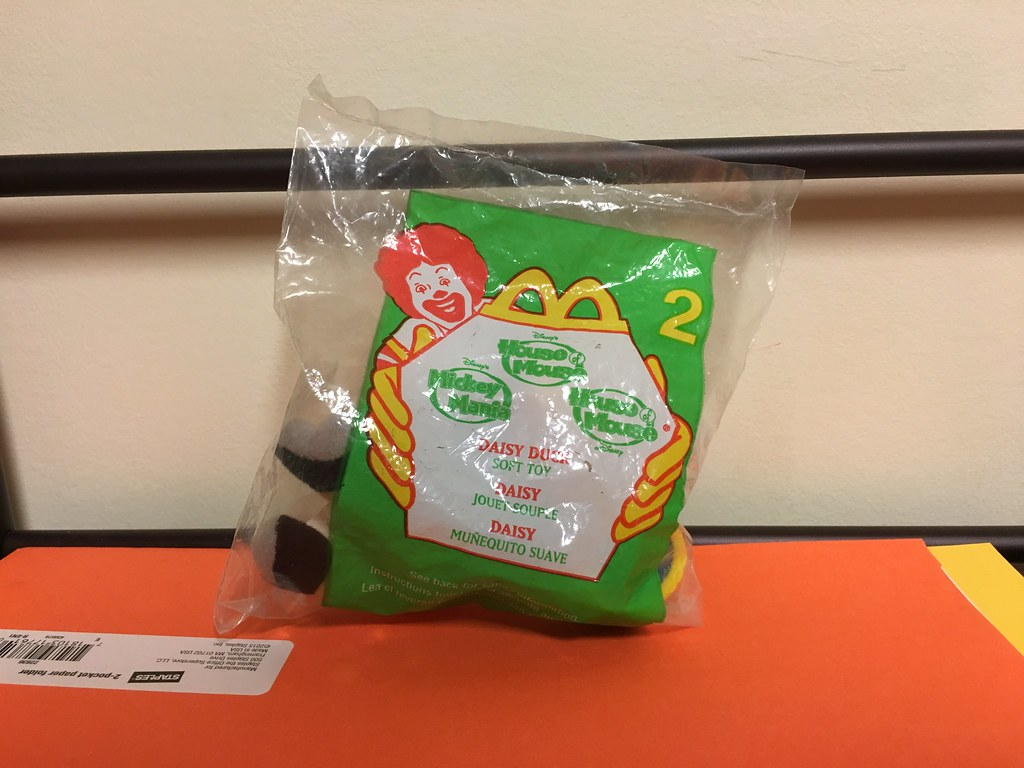 2001 Retro Mcdonalds Happy Meal Disneys House Of Mouse Flickr