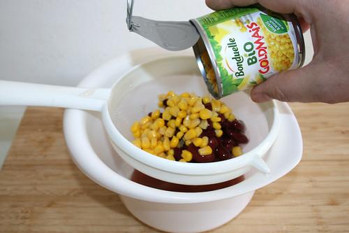 47 - Mais & Kidneybohnen abtropfen lassen / Drain corn & kidney beans