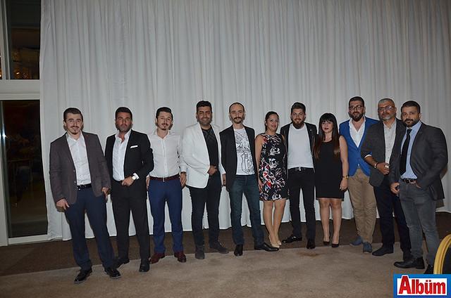 Alanya Çarşı Grubu üyeleri Albüm için poz verdi.