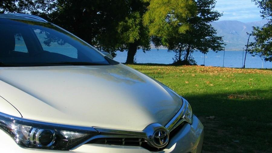toyota auris touring sports hybrid 065_1