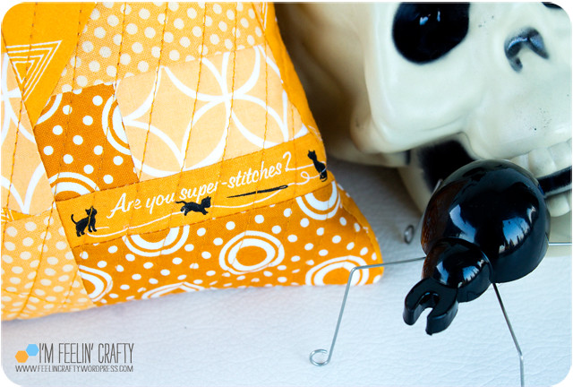 HalloweenPillow-PIllowDtl-ImFeelinCrafty
