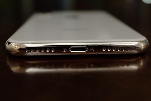Apple iPhone X 14 speakers