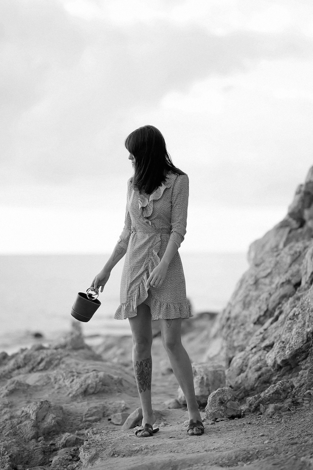 vila yellow mustard polka dot dress mallorca holiday beach sunrise moody style fashionblogger cats & dogs modeblog ricarda schernus fotograf max bechmann düsseldorf travelbloggers roamers 1