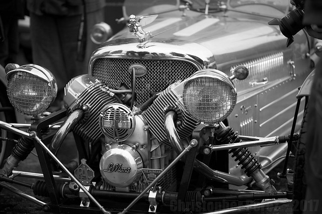 Automobiles in Black and White ~ la traversee de Paris