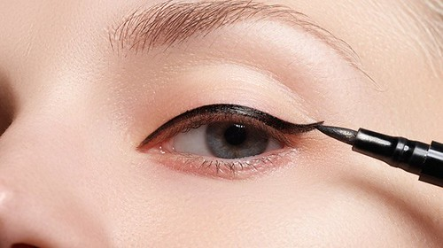 Great Eyeliner Tips For Makeup Junkies https://t.co/r3ZGPR3HqQ