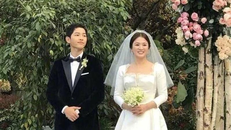 Song Joong-ki dan Song hye-kyo melangsungkan pernikahan