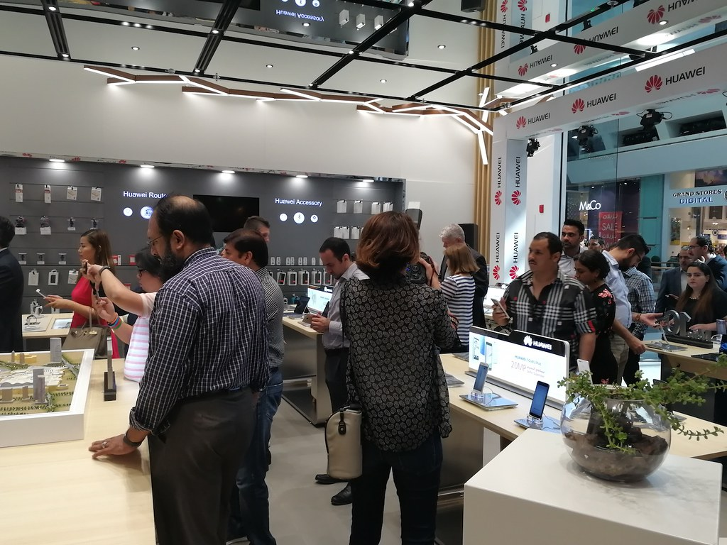 Huawei Experience Store Opening