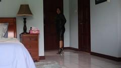 Short Leather Walk