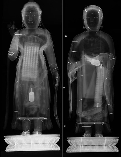 x-ray of the two bodhisattva statues