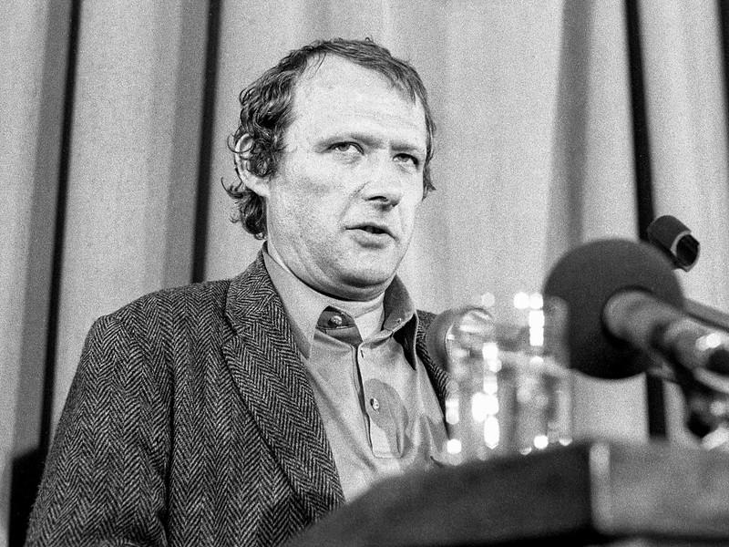 1990 Posiedzenie Komitetu Obywatelskiego przy Lechu Walesie .