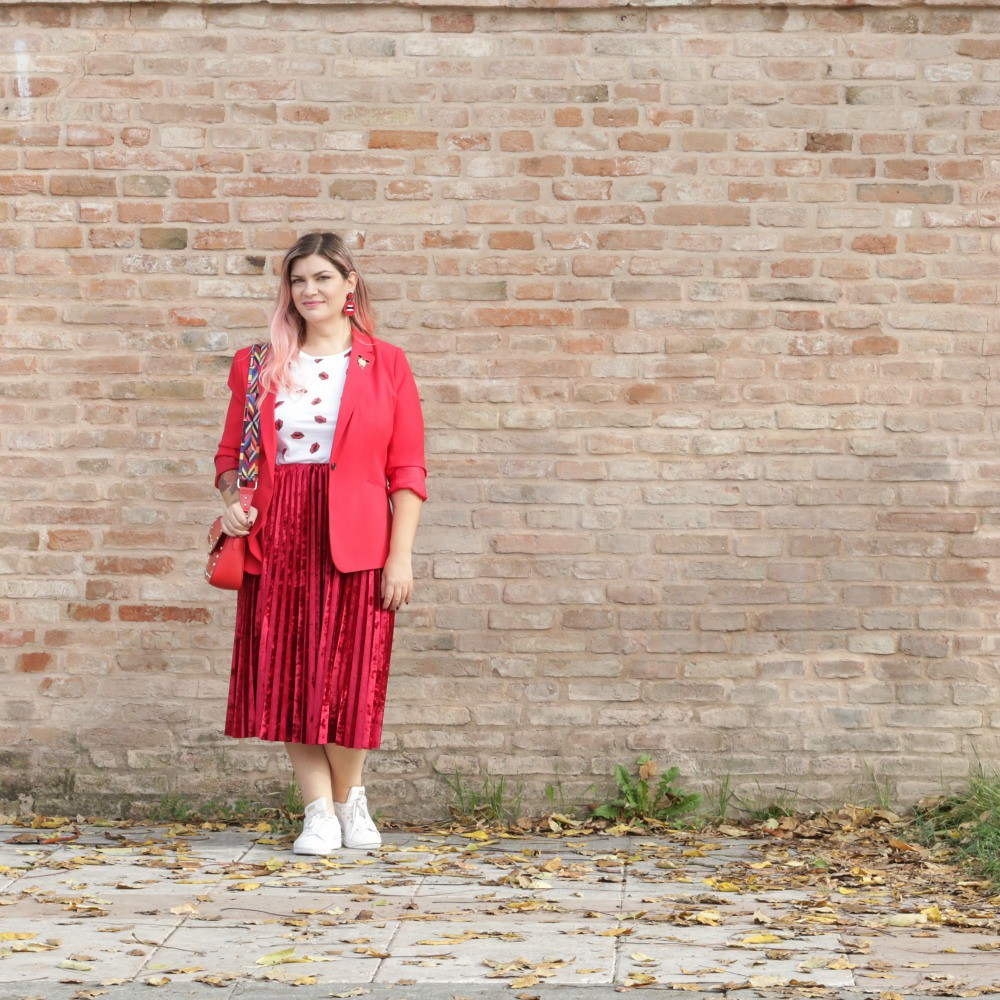 Outfit plus size, rosso su rosso (4)