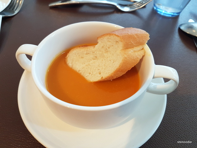 Pumpkin soup with baguette