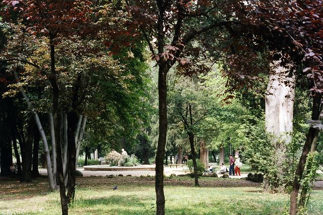 Picnics in Villa Borghese