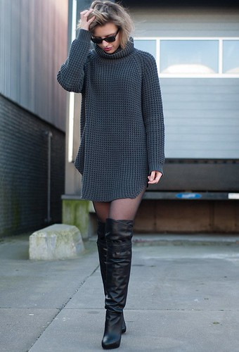 botas con oversized jersey