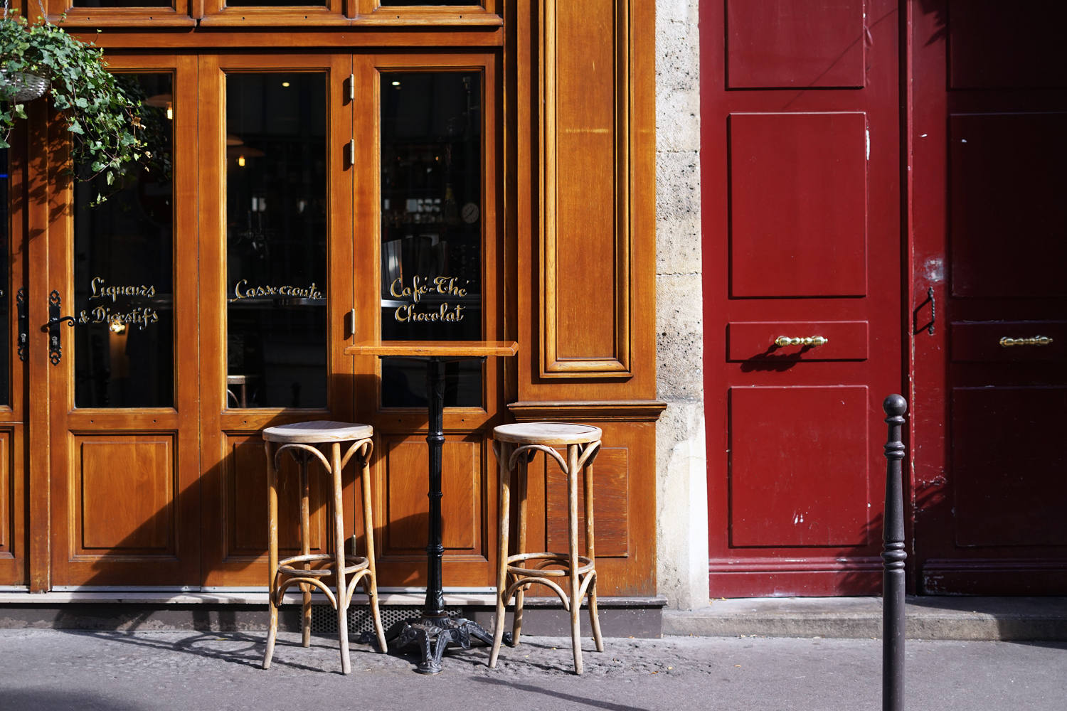 02paris-france-cafe-travel