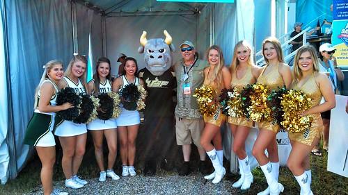 USF cheerleaders & me with mascot