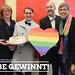 Wir feiern die Ehe für alle! Familienministerin Anne Spiegel, Tabea Rößner, Pia Schellhammer und Jutta Grüne Paulus haben heute die erste der vier verlosten Hochzeitstorten übergeben. #darumgruen #esistgenugehefüralleda