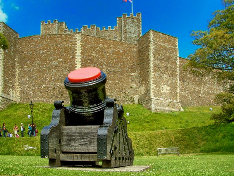 Cannon at Dover Castle. Credit Anguskirk, flickr